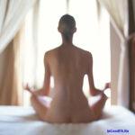 Современный фитнес и сексуальность. Голая йога