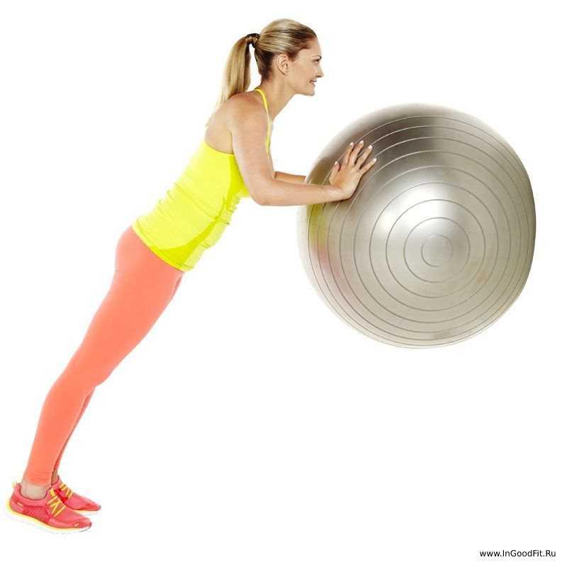 упражнения на фитболе для всего тела_ отжимания от стены