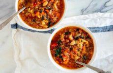 Блюда из киноа. Суп вегетарианский овощной с капустой кале